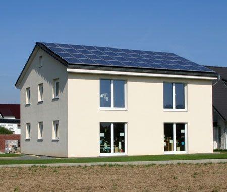 Von der Sonne verwöhnt - Passivhaus als Plus-Energie-Haus